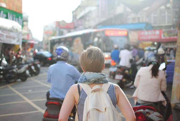 10 simple tips for traveling sustainably