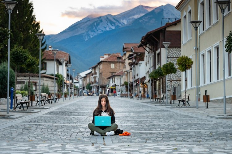 Digital Nomad Woman