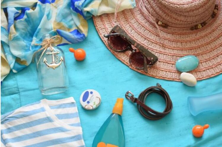 Women's Packing List - 7 Items To Not Miss For Your Beach Vacation